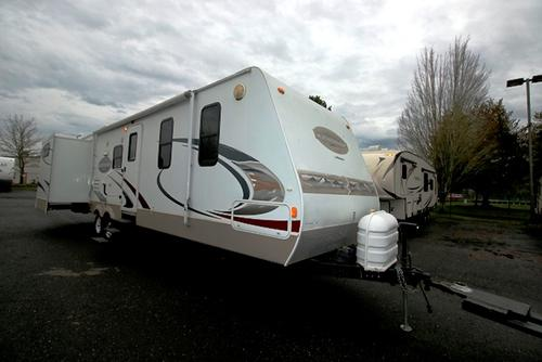 Used 2009 Keystone Mountaineer 32PRD Travel Trailer For Sale
