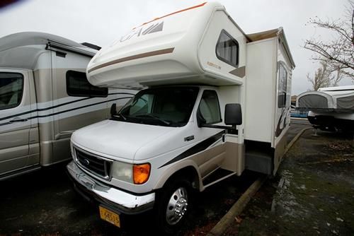 Used 2004 Fleetwood Tioga 28R Class C For Sale