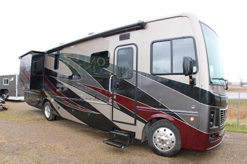 Exterior : 2019-HOLIDAY RAMBLER-35K
