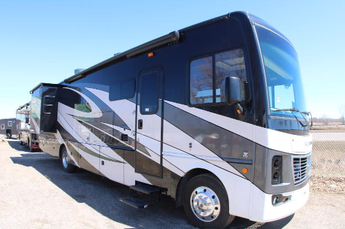 Exterior : 2019-HOLIDAY RAMBLER-36F