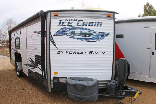 Exterior : 2016-FOREST RIVER-8X21RV