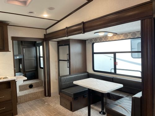 New Or Used Fifth Wheel Campers For, Shadow Mountain Furniture Statesville Nc