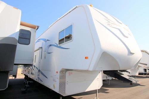 Used 2007 Weekend Warrior Weekend Warrior 3905 Fifth Wheel Toyhauler For Sale