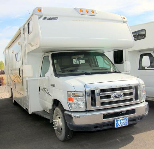 2008 Winnebago Outlook