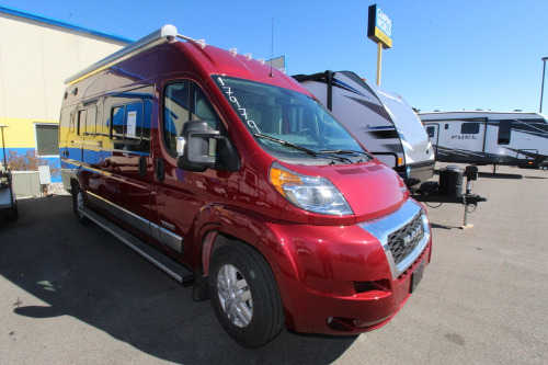 RV : 2019-WINNEBAGO-59K