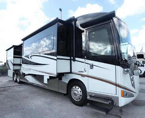 Exterior : 2015-ITASCA-42HD