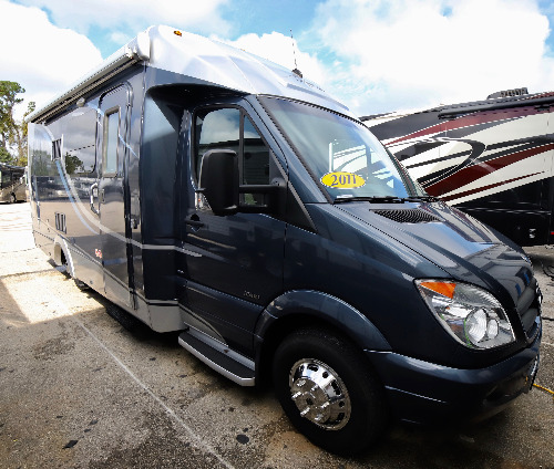 RV : 2011-LEISURE TRAVEL-U24MB