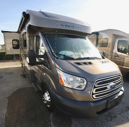 RV : 2017-WINNEBAGO-23T