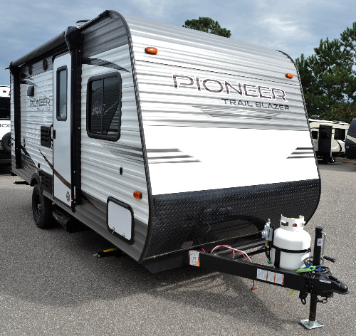 Rv Campers For Sale Near Me >> Small Campers For Sale Camping World Hkr