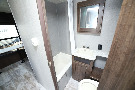 Bathroom : 2019-CROSSROADS-18RD