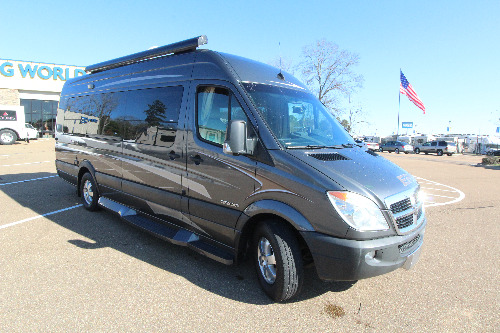 Exterior : 2010-WINNEBAGO-170X-DODGE