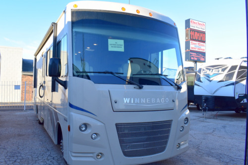 Exterior : 2018-WINNEBAGO-31BE