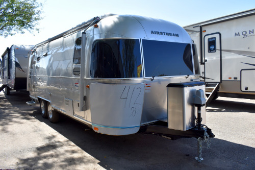 Exterior : 2019-AIRSTREAM-25FB QUEEN