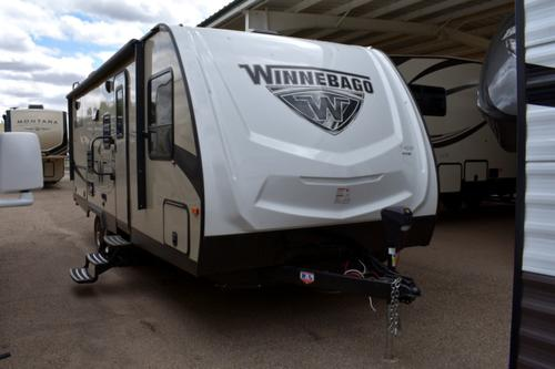 Exterior : 2019-WINNEBAGO-2201DS