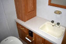 Bathroom : 2000-COACHMEN-32