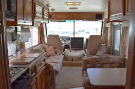 Living Room : 2000-COACHMEN-32