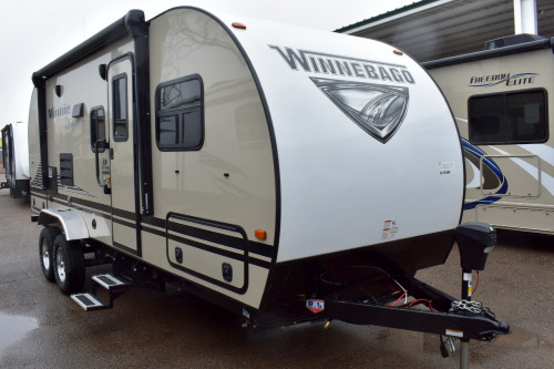Bathroom : 2020-WINNEBAGO-210RBS