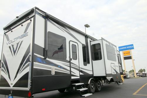 New or Used Fifth Wheel Campers For Sale - Camping World RV Sales