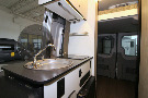 Kitchen : 2019-WINNEBAGO-44E