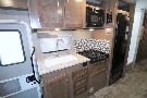 Kitchen : 2019-WINNEBAGO-27D