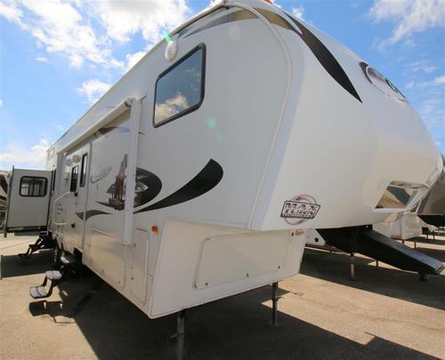 Used 2011 Keystone Cougar 324RLB Fifth Wheel For Sale