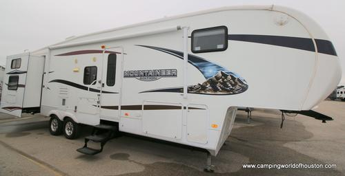 Used 2010 Keystone Mountaineer 345 DBQ Fifth Wheel For Sale