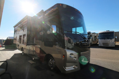 Kitchen : 2019-WINNEBAGO-27N