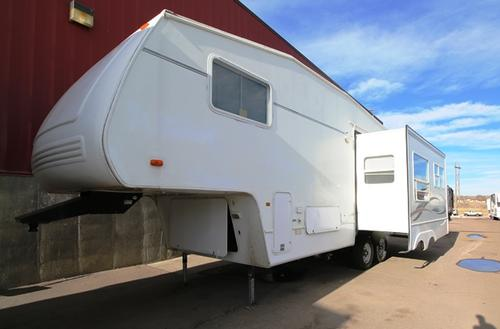 Used 2002 Forest River Wildcat 27RL Fifth Wheel For Sale