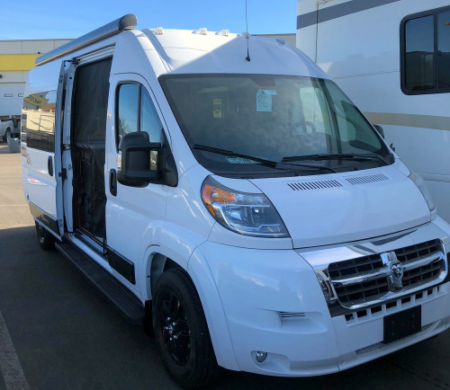 Cab : 2019-TRIPLE E-TOUR