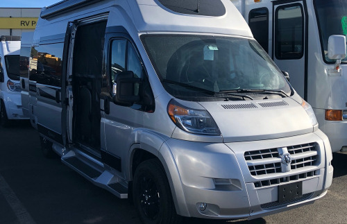 Cab : 2019-TRIPLE E-TREK