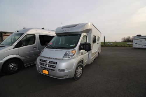 RV : 2014-WINNEBAGO-23