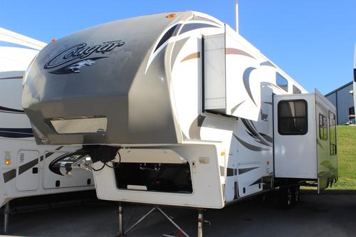 Used 2013 Keystone Cougar C-324RLB Fifth Wheel For Sale
