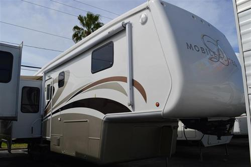 2007 Double Tree Mobile Suites