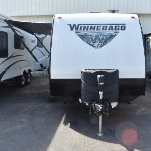 Bedroom : 2018-WINNEBAGO-2106DS