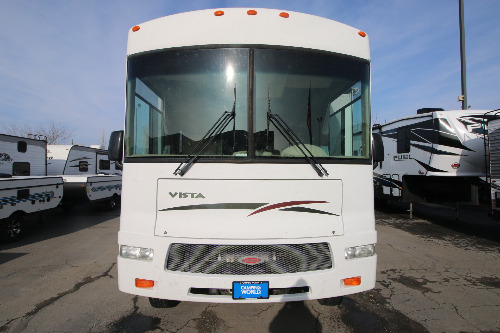 Bathroom : 2008-WINNEBAGO-32K