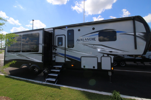 Camping World Council Bluffs >> Keystone Avalanche 321RS RVs for Sale - Camping World RV Sales