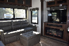 Living Room : 2019-JAYCO-315RLTS