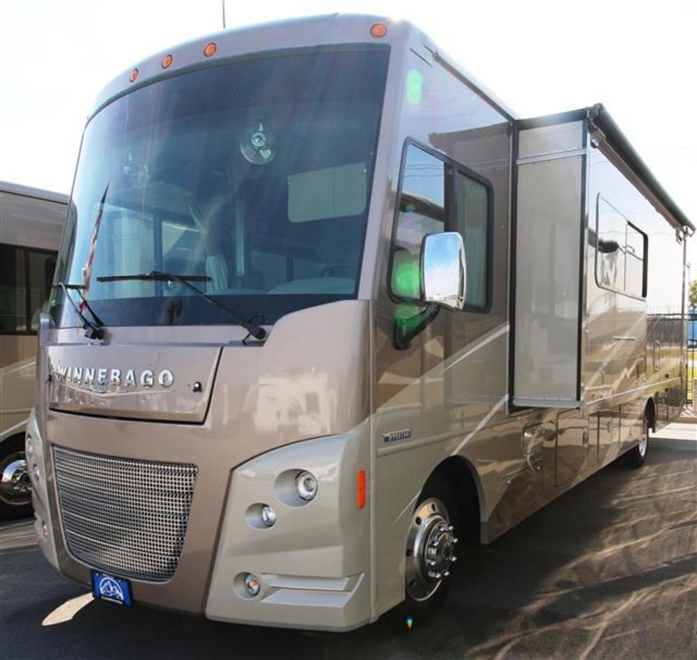 Luxury 2017 Winnebago Vista LX 35F Class A Gas Cincinnati OH Colerain RV  Dayton