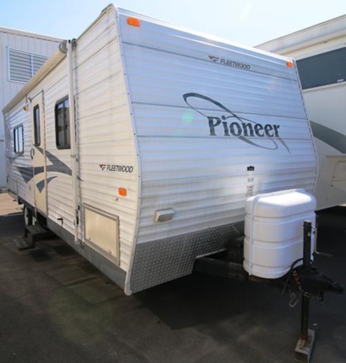 2006 Fleetwood Pioneer