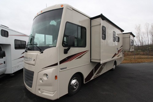 Bedroom : 2019-WINNEBAGO-27PE