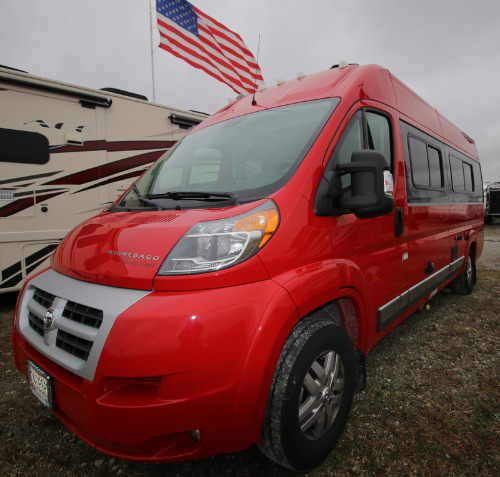 Floor Plan : 2016-WINNEBAGO-M-59K