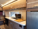 Kitchen : 2019-WINNEBAGO-170B