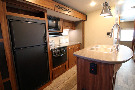 Kitchen : 2019-HEARTLAND-M33