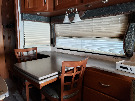 Kitchen : 2006-WINNEBAGO-40KD