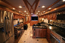 Kitchen : 2013-WINNEBAGO-42GD