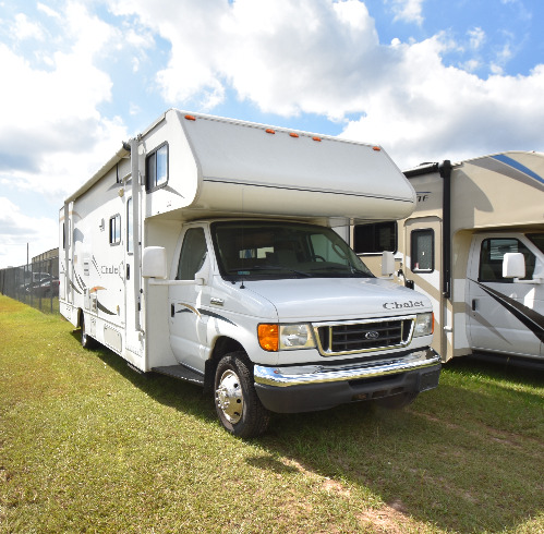 Exterior : 2008-WINNEBAGO-331CR