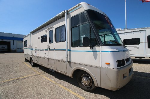 Exterior : 1993-WINNEBAGO-34RQ-FORD 460