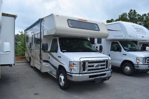 Bedroom : 2019-COACHMEN-230CB