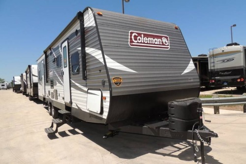 Living Room : 2019-COLEMAN-300TQ
