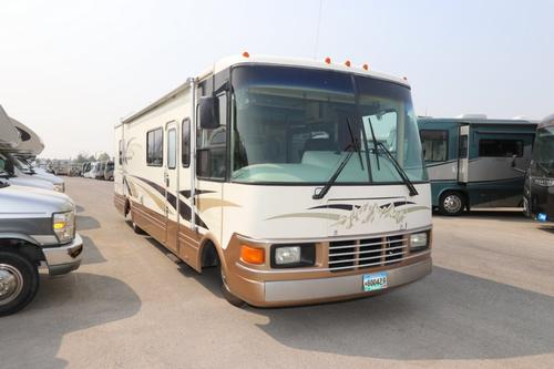 Exterior : 1993-NATIONAL RV-M-133
